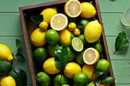 Limones verdes y amarillos, a propósito de cómo se debe cortar un limón para sacarle buen jugo vs. una naranja para ensalada, según Juan Diego Vanegas, chef de 'Día a día' de Caracol.