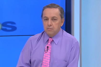 Esteban Jaramillo hace comentario en el que menciona a las mujeres periodistas.