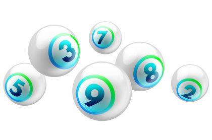Balotas blancas con números de colores ilustran que lotería jugó anoche y resultados de las loterías de la Cruz Roja y Huila agosto 31.