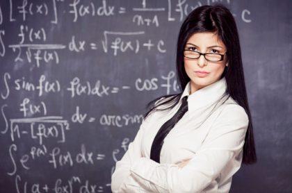 Profesora se hace viral al asegurar que tiene 'sugar student' que le envía plata