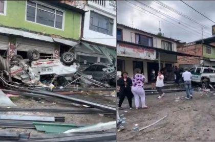 Imágenes del accidente de una tractomula que dejó varios heridos en Silvania, Cundinamarca, donde falleció su conductor