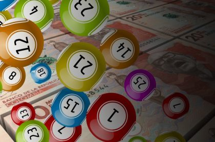 Billetes de 20 mil pesos colombianos y balotas ilustran qué chance jugó a noche y resultados de Dorado, Sinuano y más de agosto 5 2021.959318294...jpg