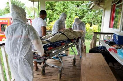 Autoridades sanitarias retiran víctima de virus