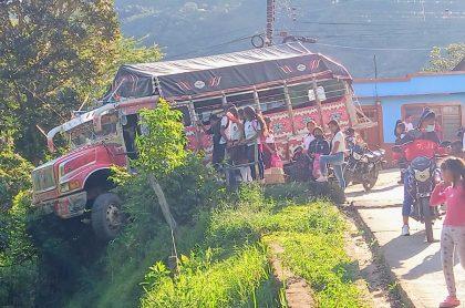 Bus escalera para nota de incidente con estudiantes en Páez, Cauca