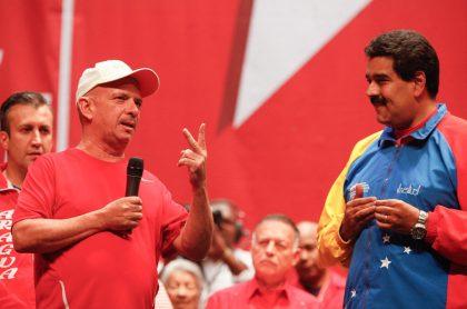 Hugo 'el Pollo' Carvajal con Nicolás Maduro, a propósito de quién es ese exgeneral, por qué Maduro lo repudia, su extradición de Es Estados Unidos y más.
