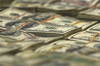Imagen de dólares ilustra articulo Estados Unidos sanciona a la narcotraficante colombiana 'la Patrona'