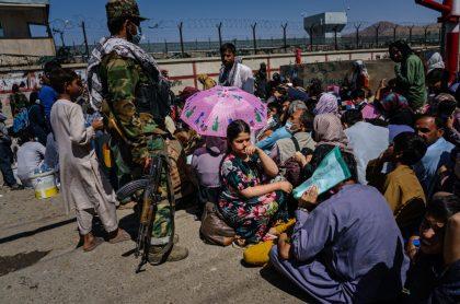 Expolicía de Afganistán vende a su hija de 4 años por unos 2 millones de pesos