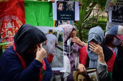Los talibanes anunciaron que solo los varones regresarán a los colegios en Afganistán, mientras que las mujeres deberán permanecer en casa.