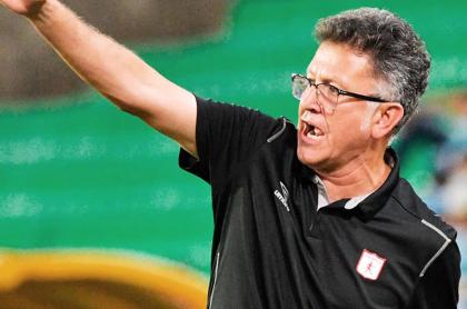 Juan Carlos Osorio seguirá en América de Cali; el club lo apoyará; Liga Betplay. Imagen del entrenador escarlata.
