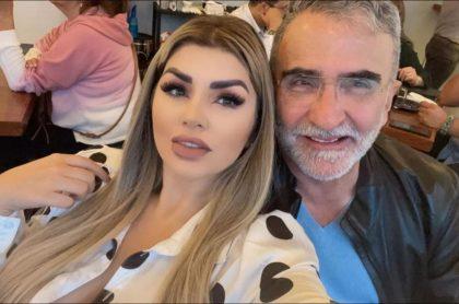 Vicente Fernández Jr. y su novia, Mariana González, que le regaló ropa interior con su rostro estampado