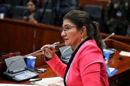 Senadora de Farc pidió disculpas por declaraciones sobre camas de secuestrados
