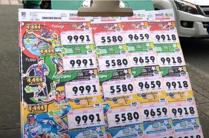 Billetes de lotería luego del sorteo de las loterías de Boyacá y Cauca de septiembre 25.