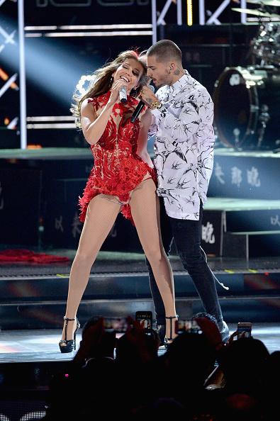 Thalia y Maluma Premios Lo Nuestro 2016